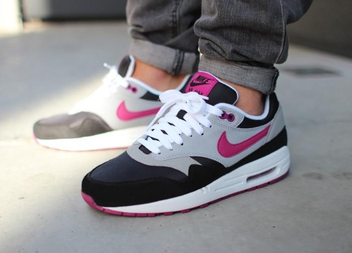 Nike Air Max 1, Black/Wolf Grey/Rave Pink
